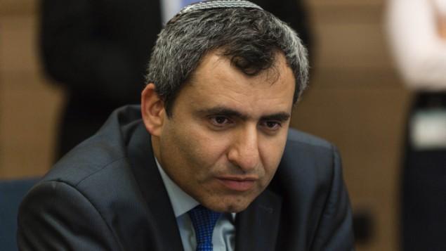 Ministro de Israel: El colapso de la AP es una cuestión de tiempo