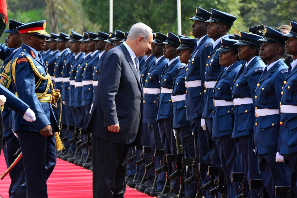 Kenia: Uhuru Kenyatta asume presidencia en medio de protestas