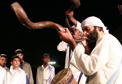 tocando-shofar_opt