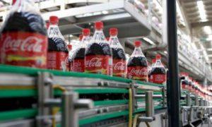 Coca-Cola suspenderá la producción en Venezuela por falta de azúcar