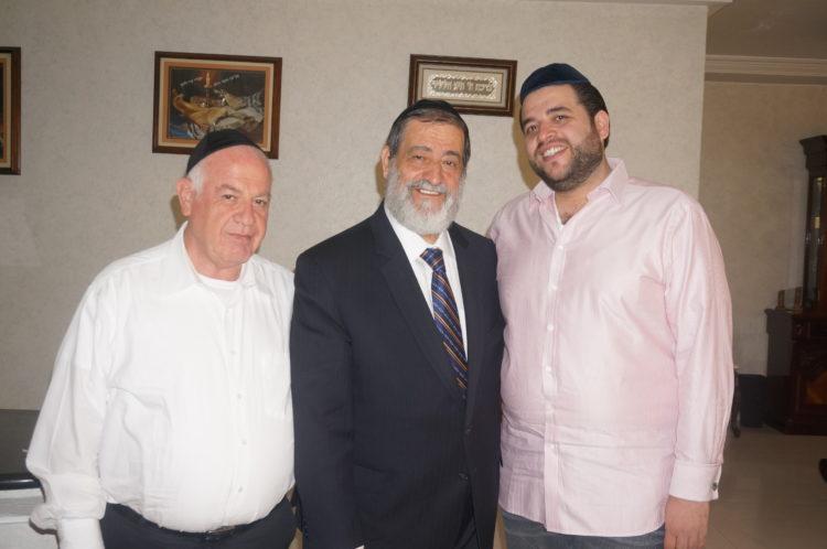 """""""La Biblioteca Nacional de Israel tiene 'secuestrados' nueve libros de la Torá de los judíos sirios"""" : Rabino Abraham Hamra"""