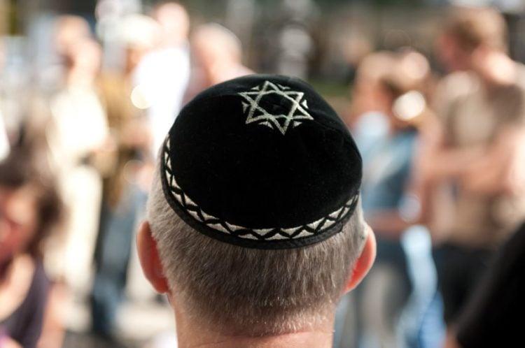 ¿Por qué los judíos usan kipá?