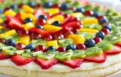 Postre para Sucot: Pizza de frutas con masa de galleta