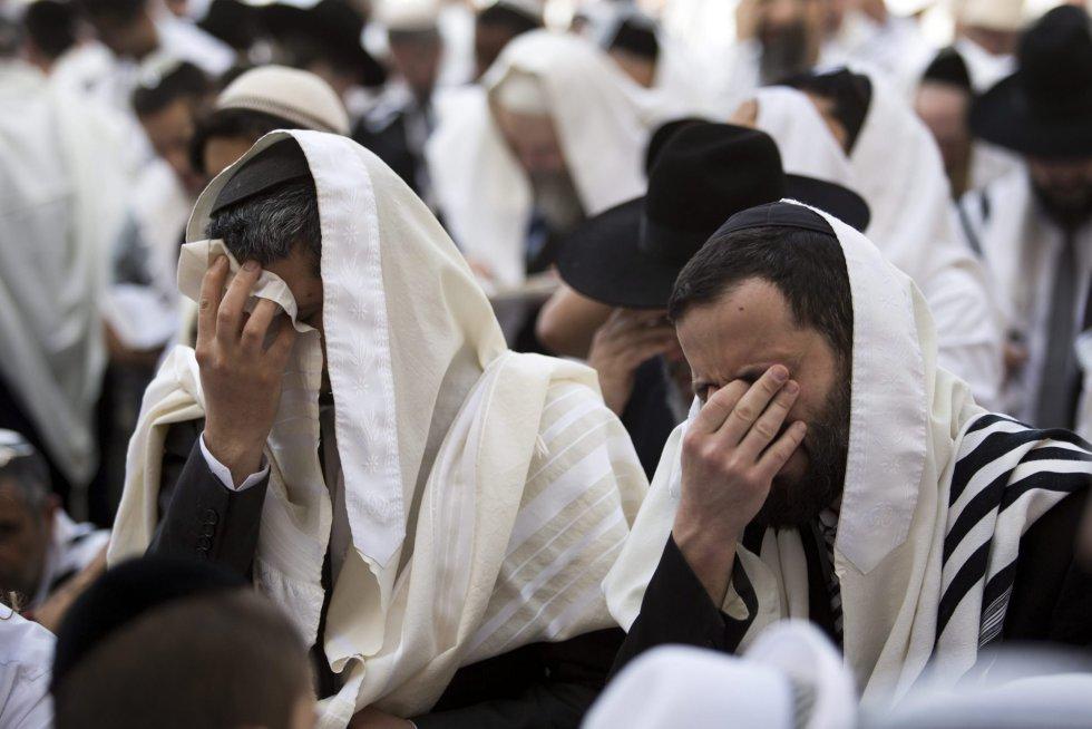 El rezo judío: Un encuentro con Dios.