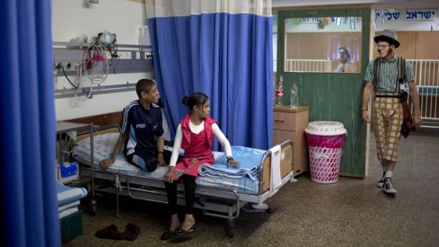 Resultado de imagen para imágenes de Palestinos en hospitales israelíes
