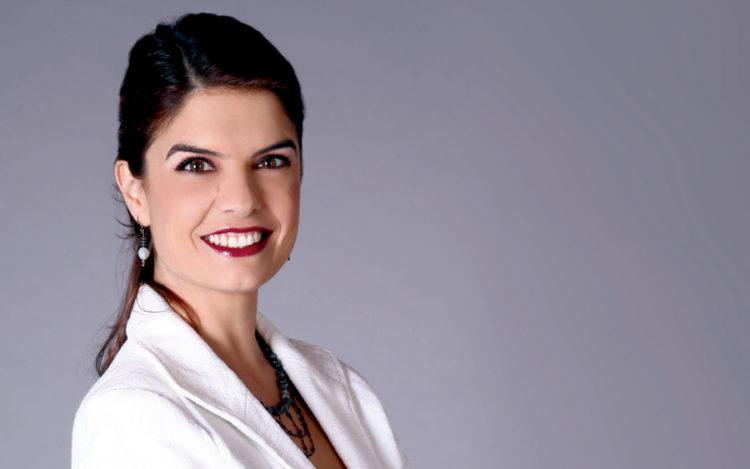 """""""El judaísmo me atrae"""": Laura García Arroyo, de la """"Dichosa Palabra"""", entrevistará a comunicadores judíos en la FILJU"""