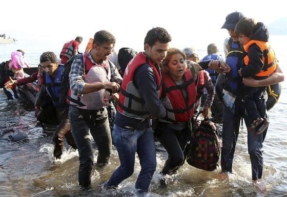 Detienen a ocho intermediarios de una red que daba visados para el tráfico de personas desde Irak, Siria y Afganistán