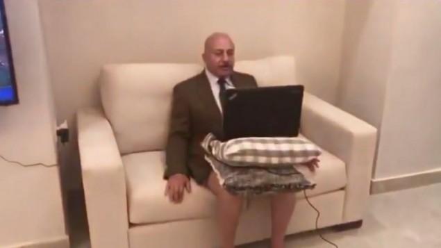 Analista jordano renuncia a sus pantalones para entrevista televisiva