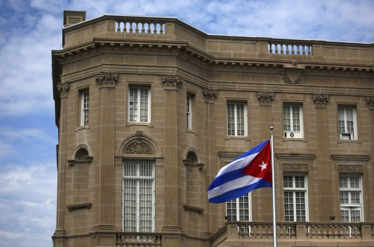 Estados Unidos expulsa a 15 diplomáticos cubanos