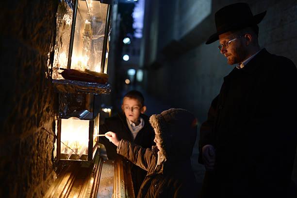 La espiritualidad en las velas de Janucá. ¿Por qué celebramos 8 noches?