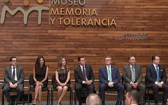 """Inaugura Enrique Peña Nieto la pieza """"Muro de Berlín"""" en el Museo Memoria y Tolerancia"""