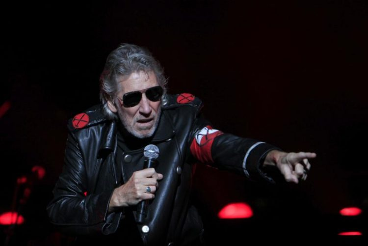 Roger Waters sale en defensa del régimen de Siria