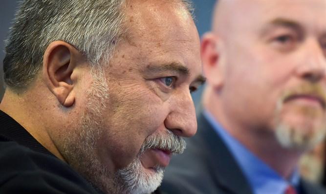 Lieberman a Siria: Expulsen a los iraníes