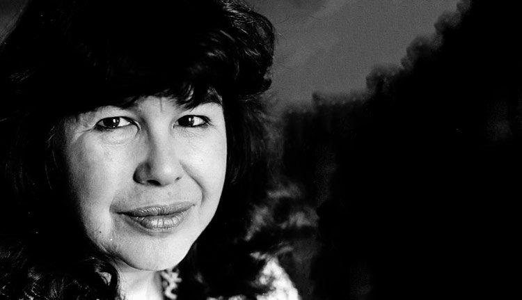 Las perlas de Perla  Schwartz / Marge Piercy,  una poeta comprometida con su entorno