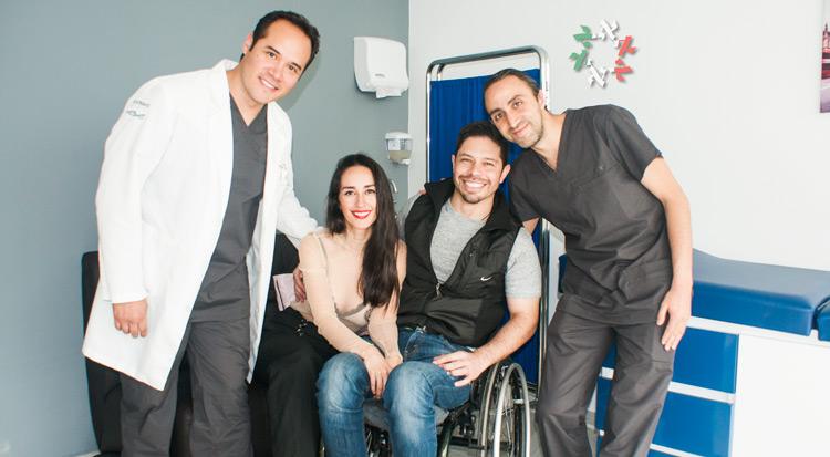 """""""Ha sido un milagro"""": los doctores Joel Osorio, Ismael González y Victor Achar, de RegenerAge Clinic, logran grandes avances en paciente """"sin opción"""""""