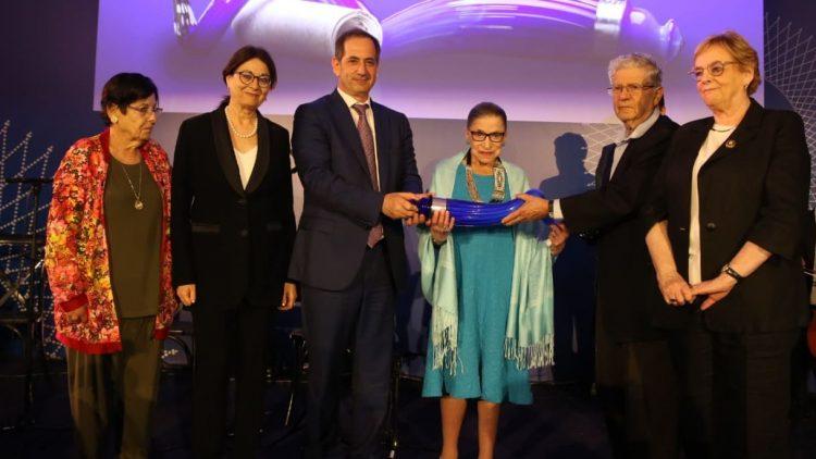 """La jueza Ruth Bader Ginsburg recibe Premio Génesis: """"La demanda de la paz es parte de la tradición judía"""""""