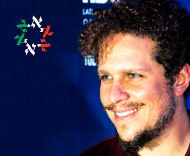 Gaz Alazraki presente en la alfombra roja por el 15º aniversario de HBO Latinoamérica