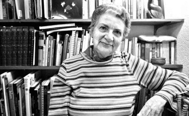 """Las perlas de Perla  Schwartz  / """"Tierra Adentro"""": el caminante y su esperanza"""