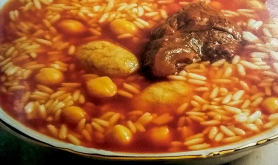Sopa de arroz con garbanzo