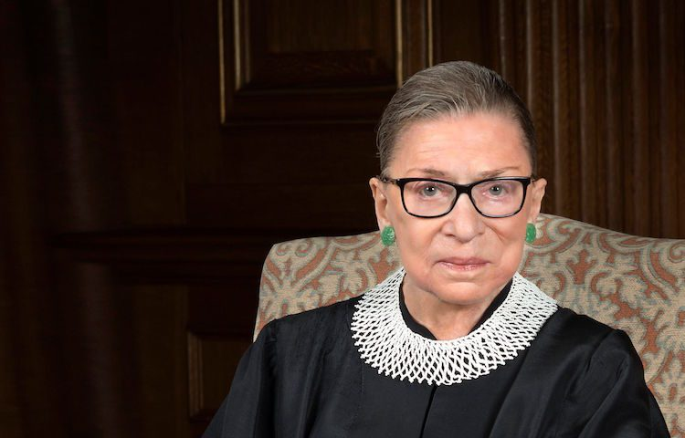Hospitalizan a la jueza judía norteamericana Ruth Bader Ginsburg