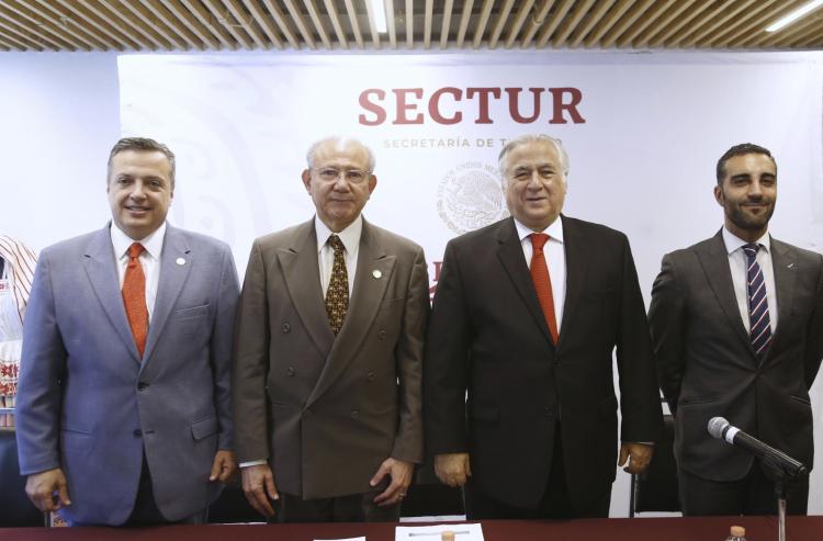 Acompañado de Simón Levy,  Secretario de Turismo anuncia la desaparición del Consejo de Promoción Turística