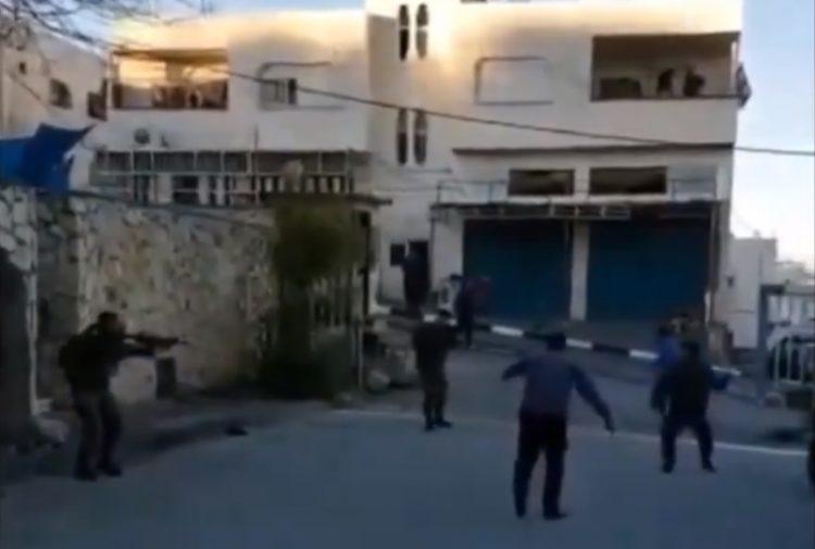 Terrorista palestino intenta acuchillar israelíes en Hebrón