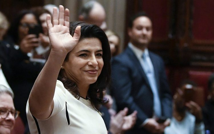 Una vez refugiada de Irán, una senadora judía escala en la política de Nueva York