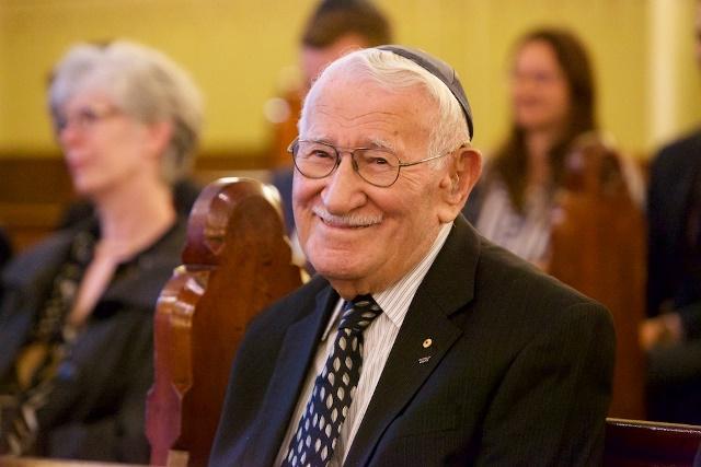 Superviviente del Holocausto revela el secreto de la felicidad en un conmovedor mensaje