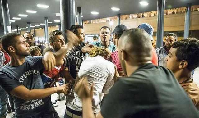 """""""Taharrush"""", el juego musulmán de violación de infieles se extiende por Europa"""