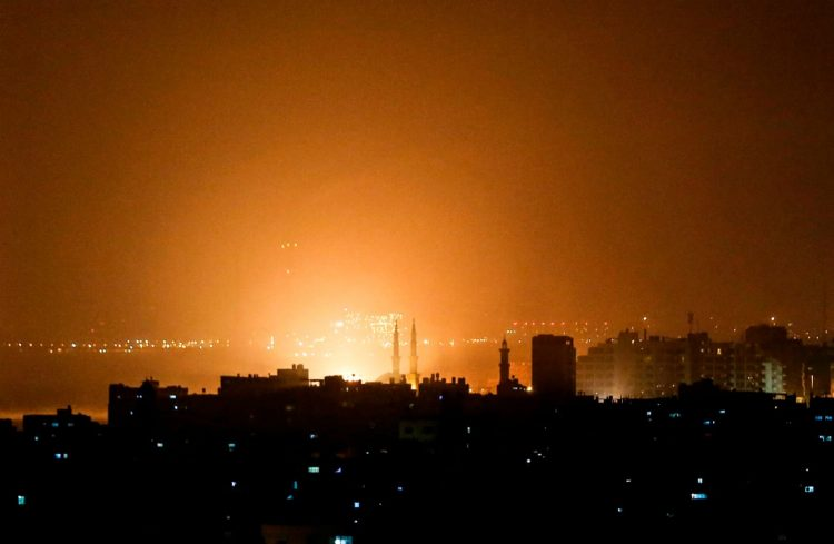 Israel ataca 100 blancos de Hamás en Gaza en respuesta al lanzamiento de cohetes contra Tel Aviv