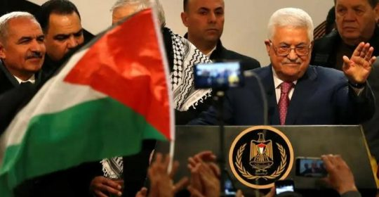 """Acepté el despliegue de una fuerza de la OTAN liderada por EE.UU. en """"Palestina"""": Abbas"""