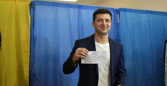 Comediante judío gana la presidencia de Ucrania: encuestas de salida