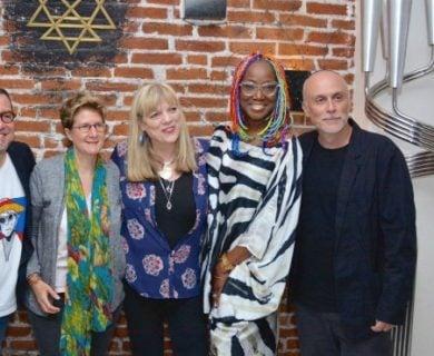 Tiro al aire / Celia Cruz y Lucrecia: Dos almas que se encontraron