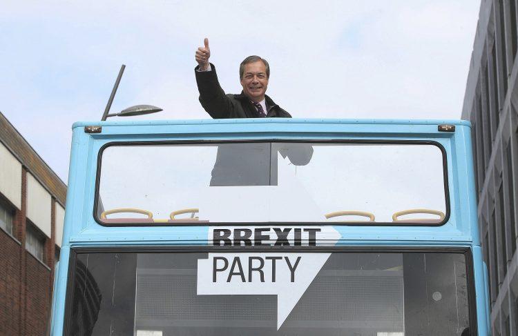 Populista acusado de usar tropos antisemitas lidera el voto europeo del Brexit