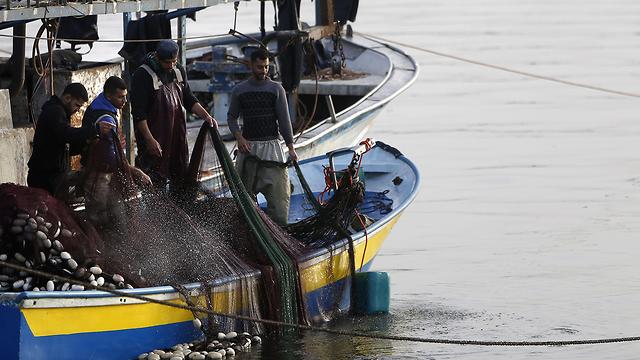 """""""¿Por qué nos castigan?"""" Pescadores en Gaza lamentan bloqueo de las FDI"""