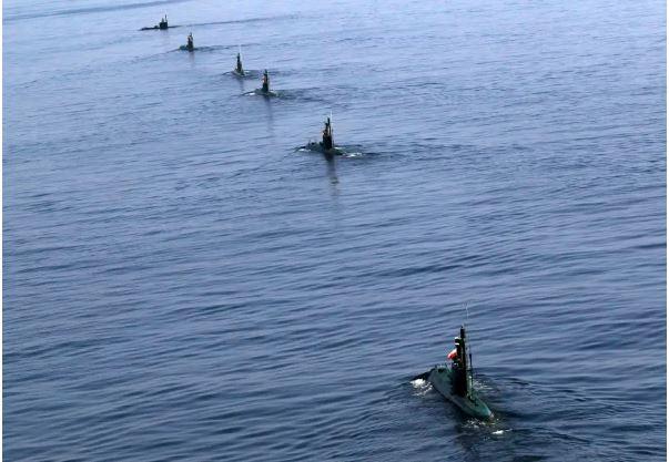 Sospechoso ataque a 2 petroleros en el Mar de Omán