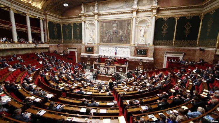 Proyecto de ley francés contra odio en línea deja fuera sentimiento anti-Israel