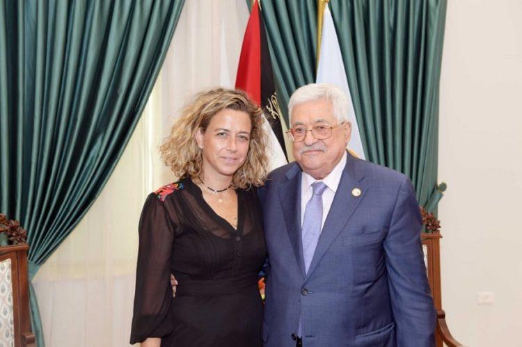 Nieta de Isaac Rabin se reúne con Abbas en Ramallah